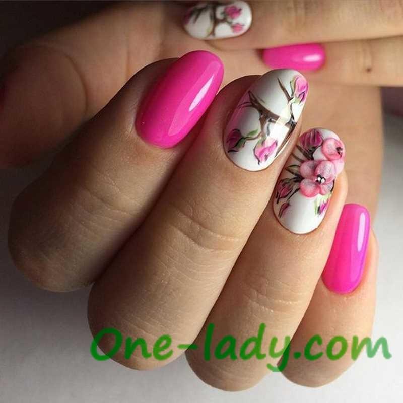 Маникюр с объемными цветами