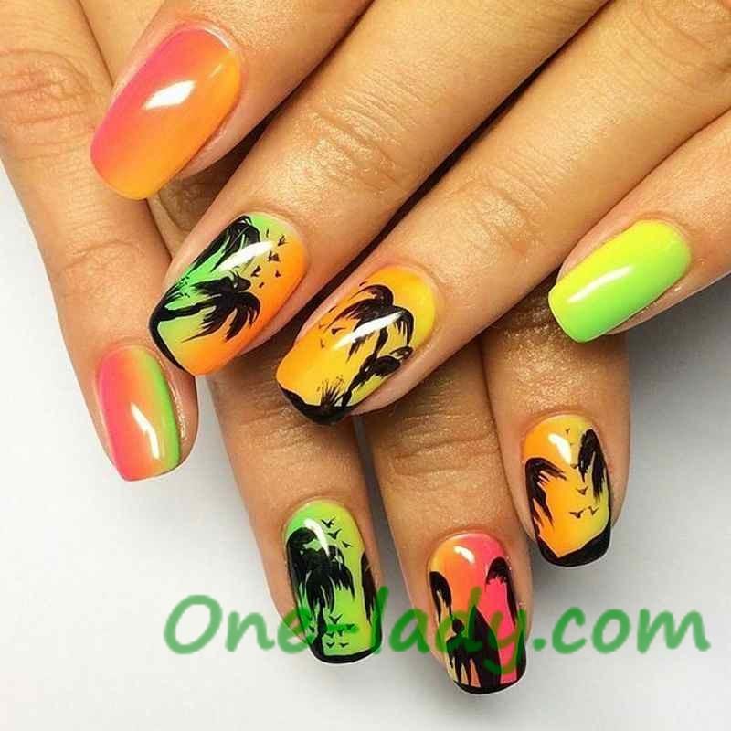 Дизайн моря на ногтях