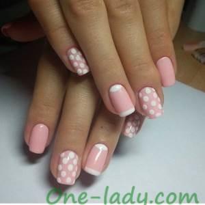 Розово-белый маникюр фото