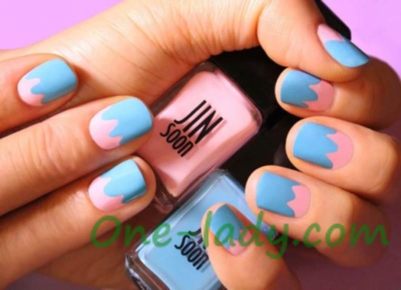 Розово голубой маникюр фото