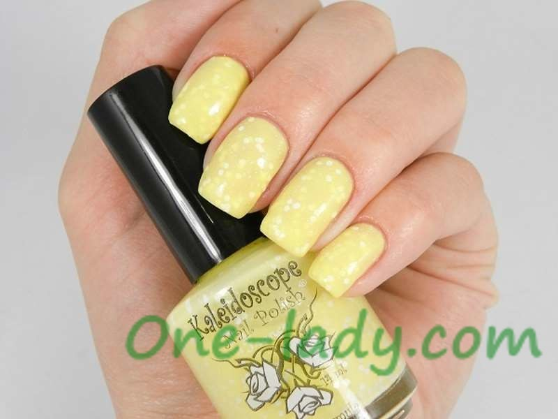 Лимонный маникюр фото