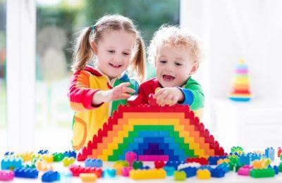 Детские конструкторы: популярные виды и особенности выбора